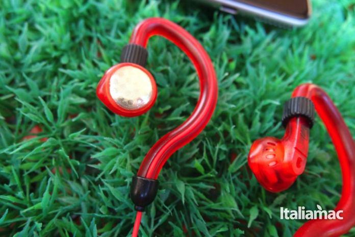 tucano hooky5 Tucano, auricolari Hooky con microfono, disegnate per chi pratica sport