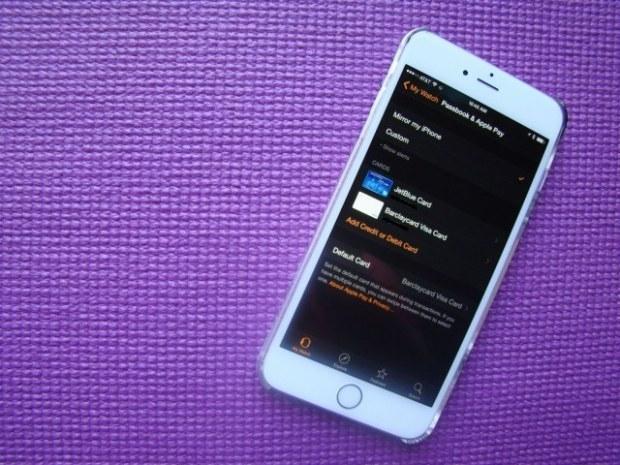 iphone apple watch apple pay 640x480 620x465 Apple rilascia OS X 10.10.5 ed iOS 8.4.1 beta agli sviluppatori