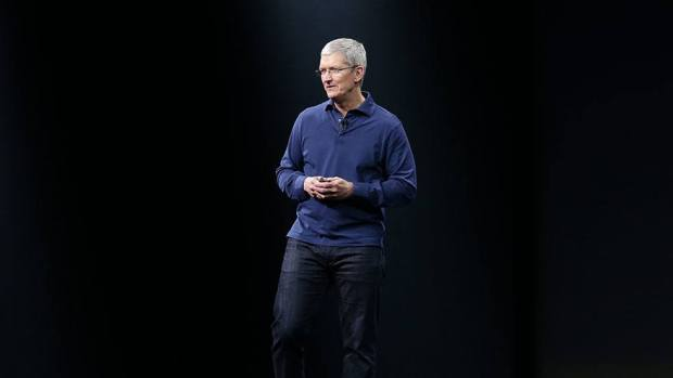 Tim-Cook-on-stage
