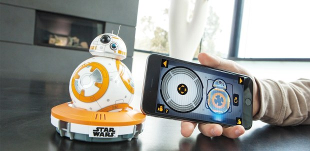 sphero bb 8 image 003 620x302 Sphero lancia BB 8, il droide di Star Wars VII da controllare con iPhone [Video]