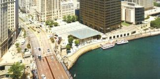 Apple Store Chicago River