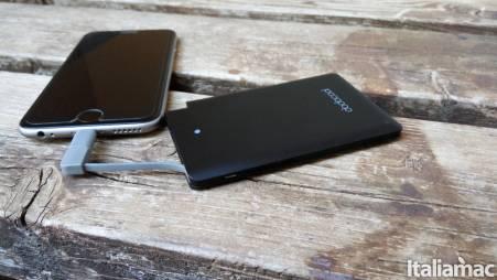 dodocool iphone powerbank side Codici sconto per gli accessori Dodocool con risparmio fino al 60%