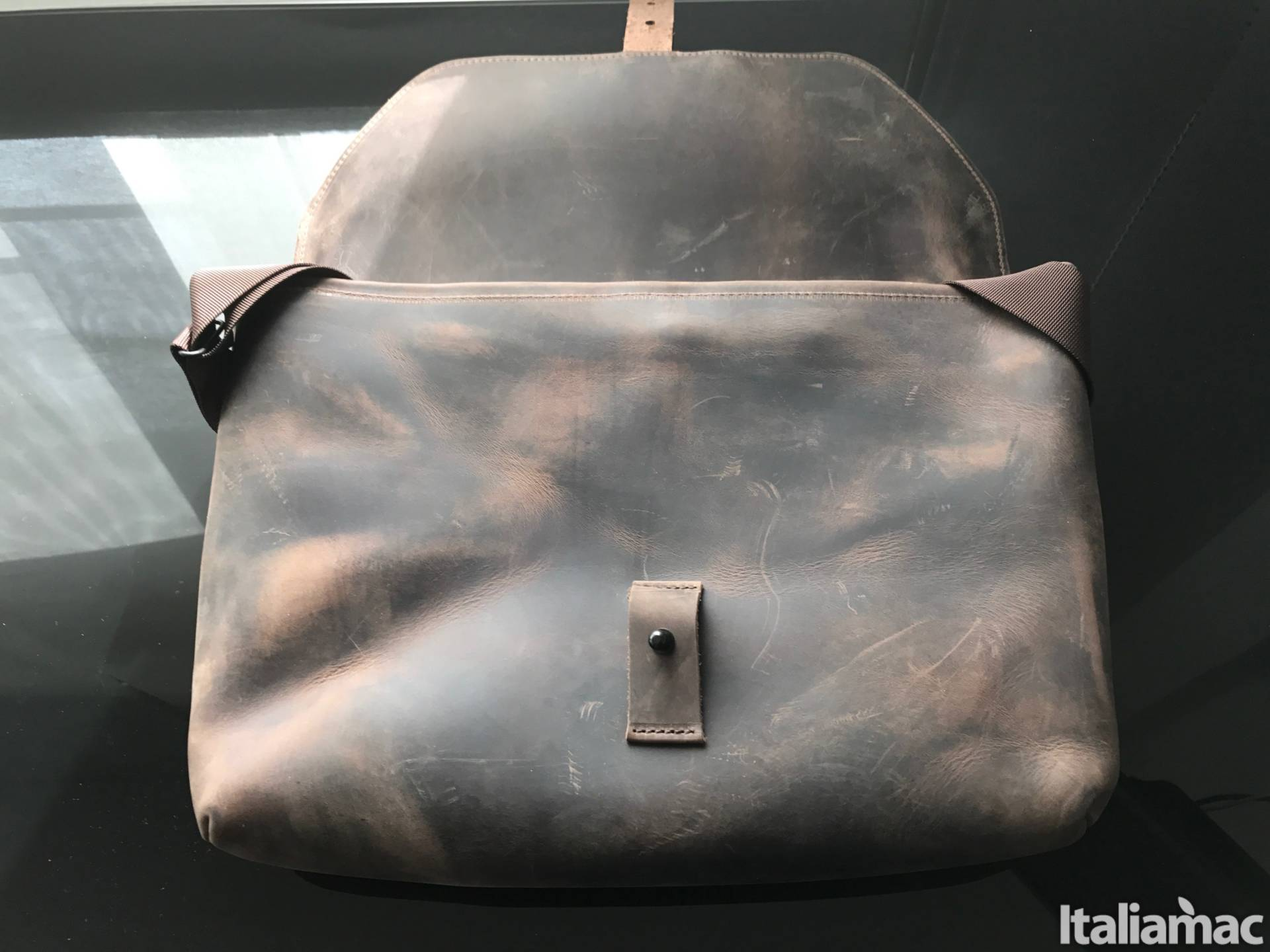 %name Maverick Messenger: La borsa in vera pelle porta MacBook