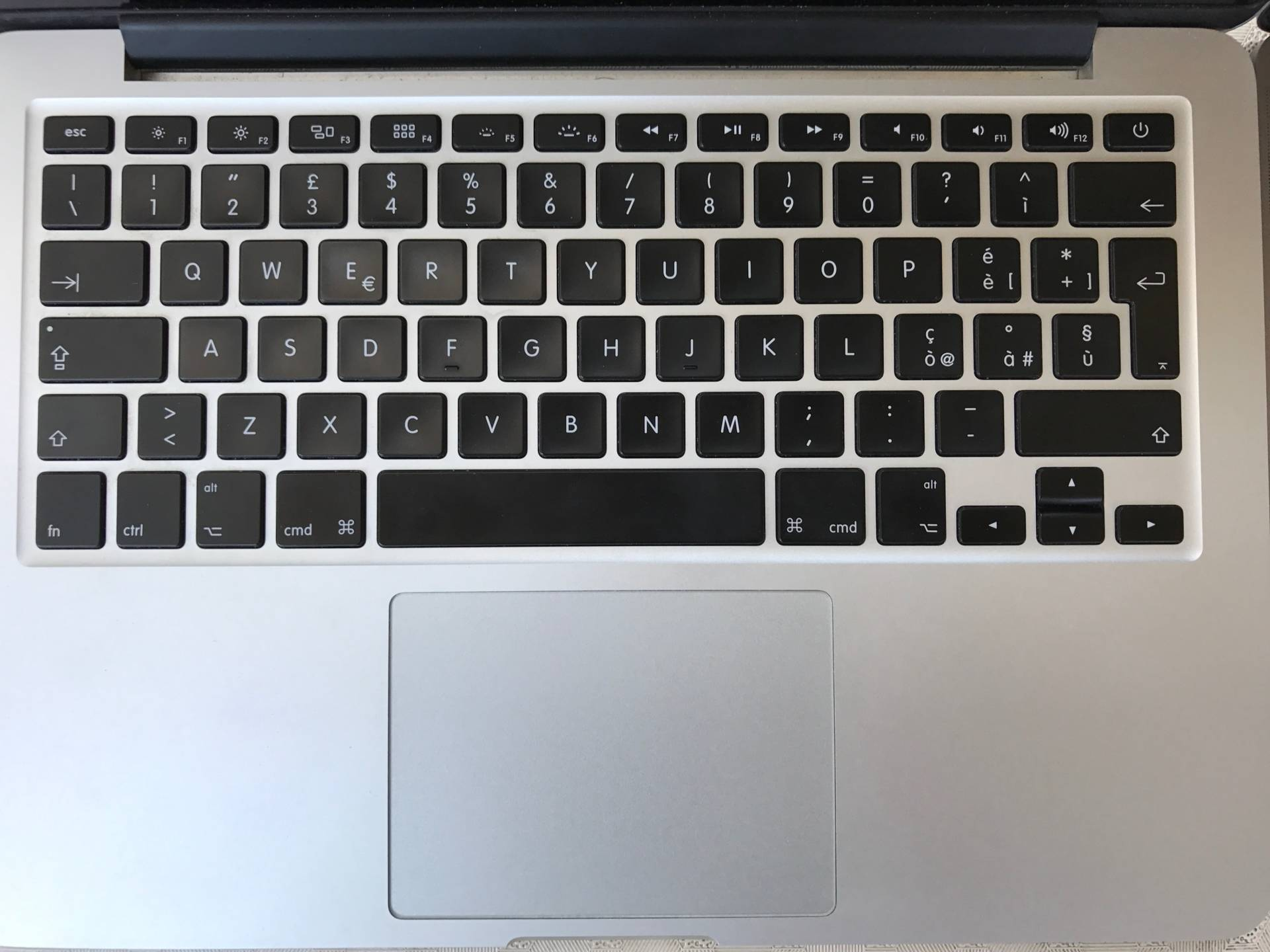%name Unboxing MacBook Pro 13 pollici 2017 con Touch Bar