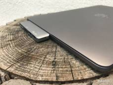 %name QacQoc: Lhub USB C completo e compatto per i nuovi MacBook Pro