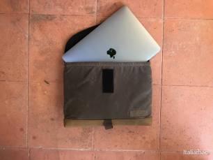 %name Porta il tuo MacBook Pro sempre con te con la SleeveCase di sfbags