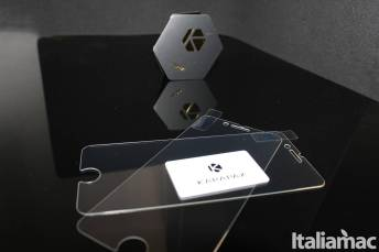 %name GlassGuard: Le pellicole in vetro temperato di Karapax per iPhone 7 e iPhone 8