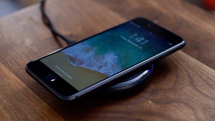 www.italiamac.it ios 11 2 introduce la ricarica wireless veloce a 7 5w iphone 8 wireless charging iOS 11.2 introduce la ricarica wireless veloce a 7.5W