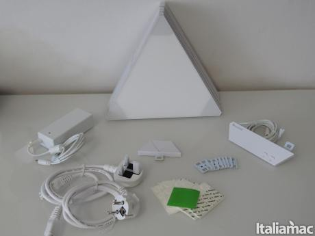 %name Nanoleaf Light Panels Rhythm: I pannelli LED componibili compatibili con HomeKit