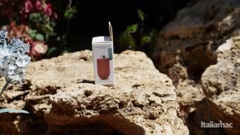 %name Elago Italian Rose e Coral Blu: Il case in silicone morbido per AirPods