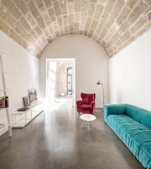 italian interior with marsala and turquoise
