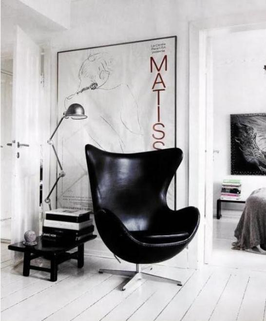 cozy-reading-nook-eggchair-black-ITALIANBARK