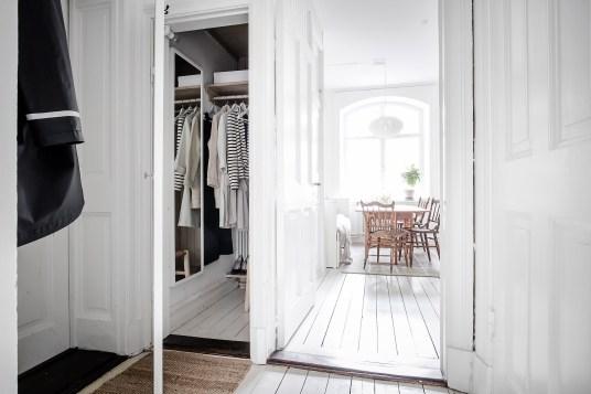total-white-small-apartment-sweden-italianbark-interiordesignblog (13)