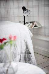 total-white-small-apartment-sweden-italianbark-interiordesignblog (20)