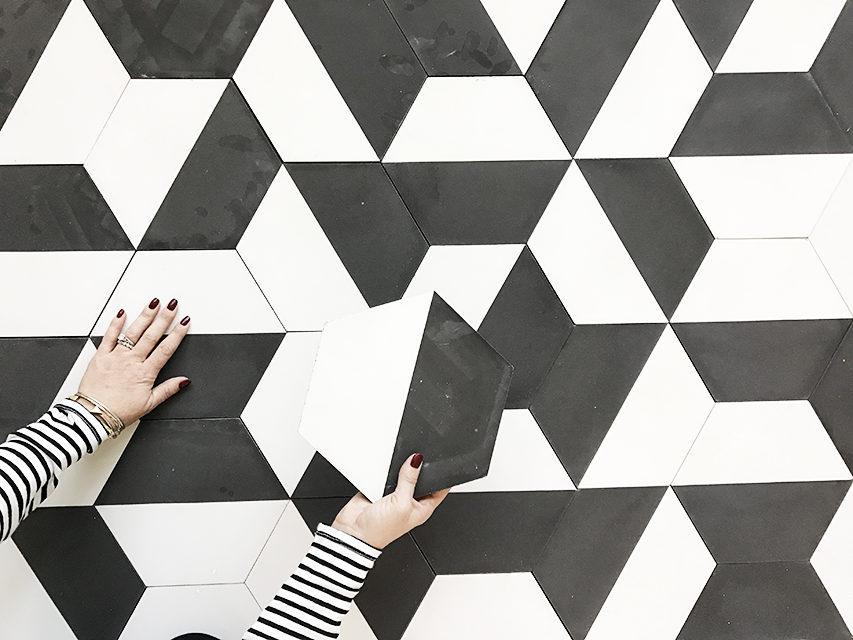 black white tiles for the bathroom
