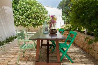 design trullo, puglia interior design, beautiful italian interiors, mediterranean style, italianbark, summer patio design