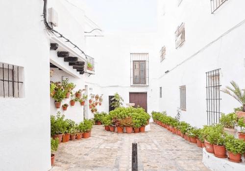 DESIGN STAY | Sleeping in the most beautiful pueblo blanco in Spain