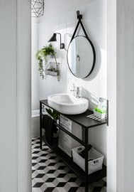 bathroom-before-after-small-bathroom-restyling-black-white-minimalist (20)