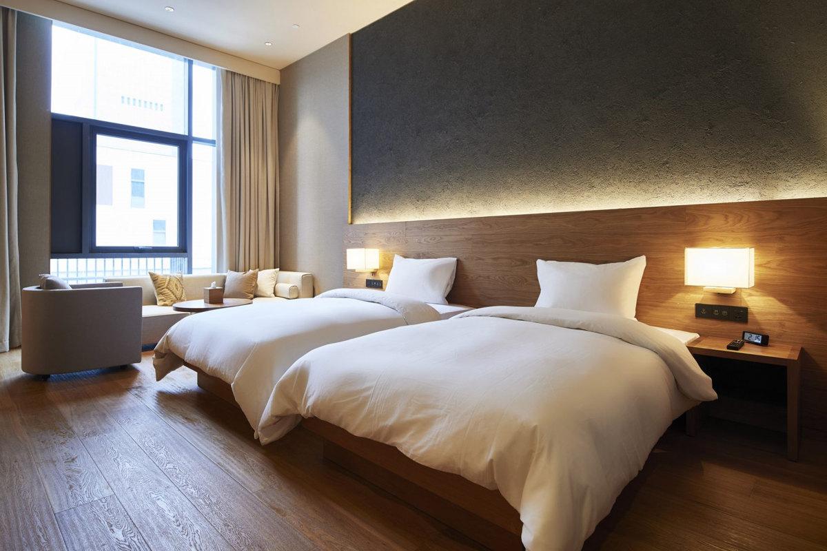 MUJI HOTEL   SHENZEN, Hotel Room Design Trends, Minimalist Bedroom Design
