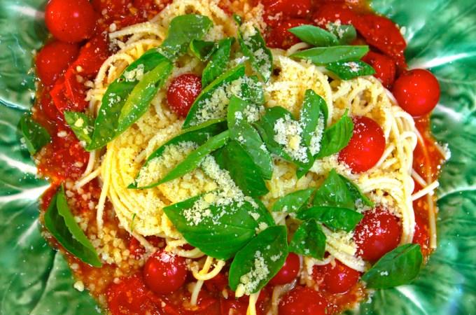 pasta with garlic and basil
