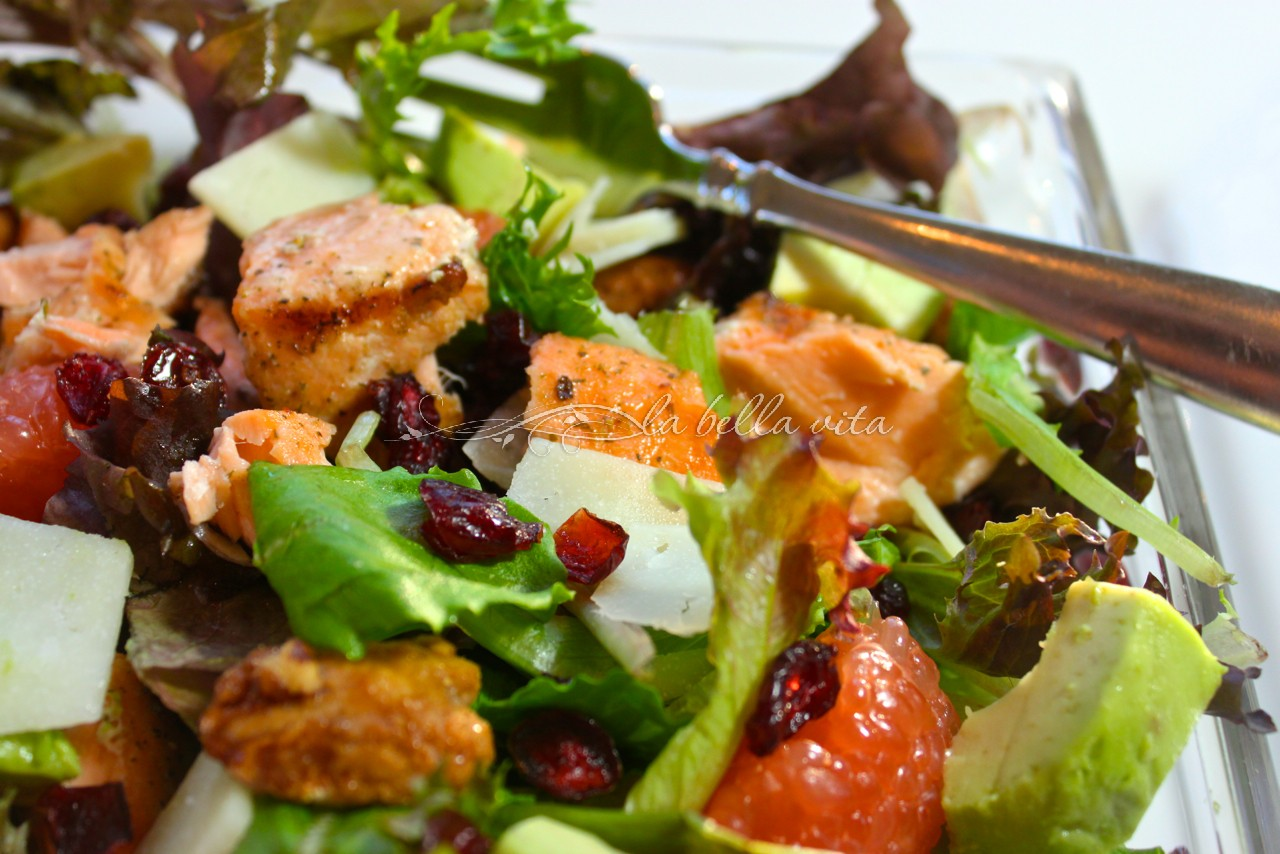 grilled salmon and mixed green salad
