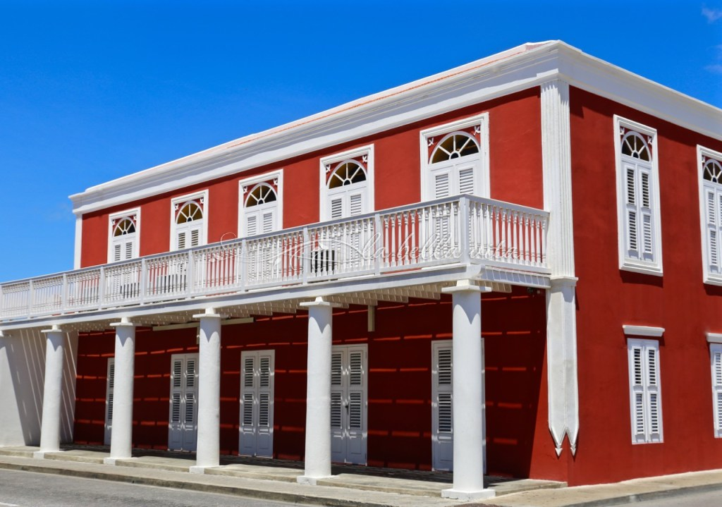 What to see in Aruba: Color and Architecture