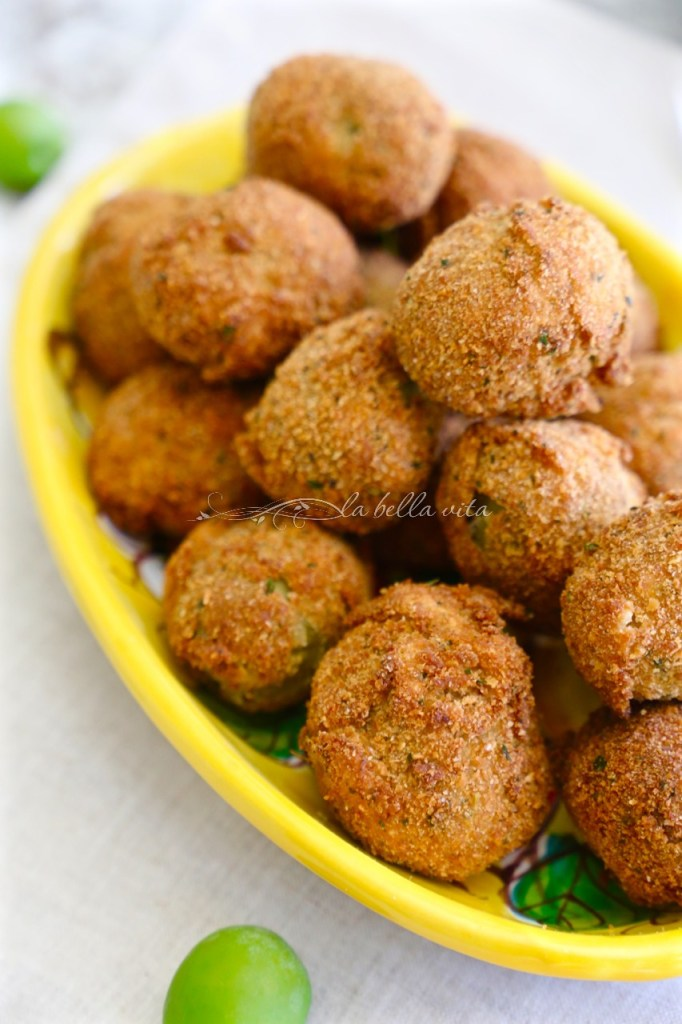 Italian Fried Stuffed Olives Olive all' Ascolana