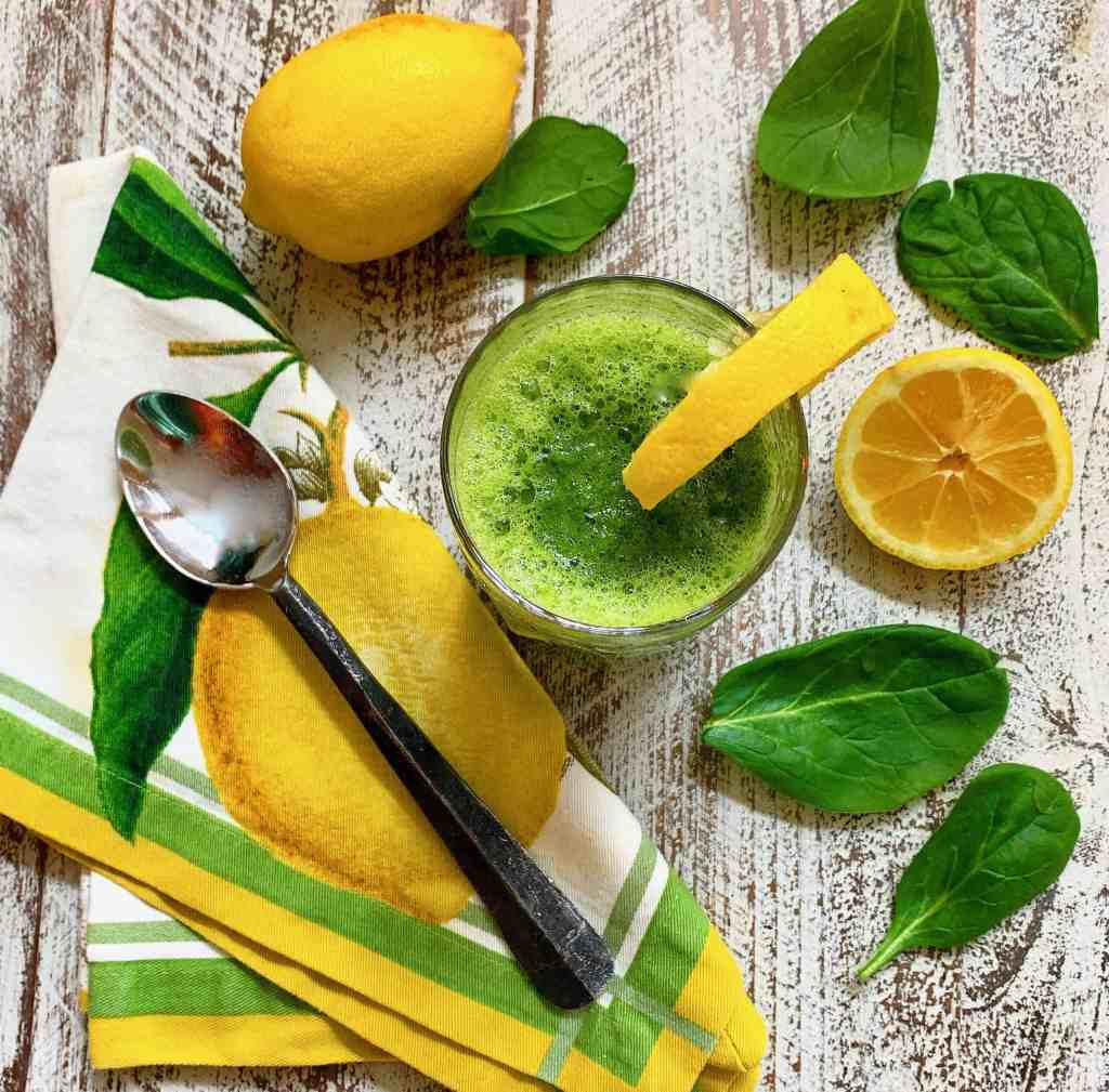 Pineapple, Spinach and Ginger Detox Smoothie