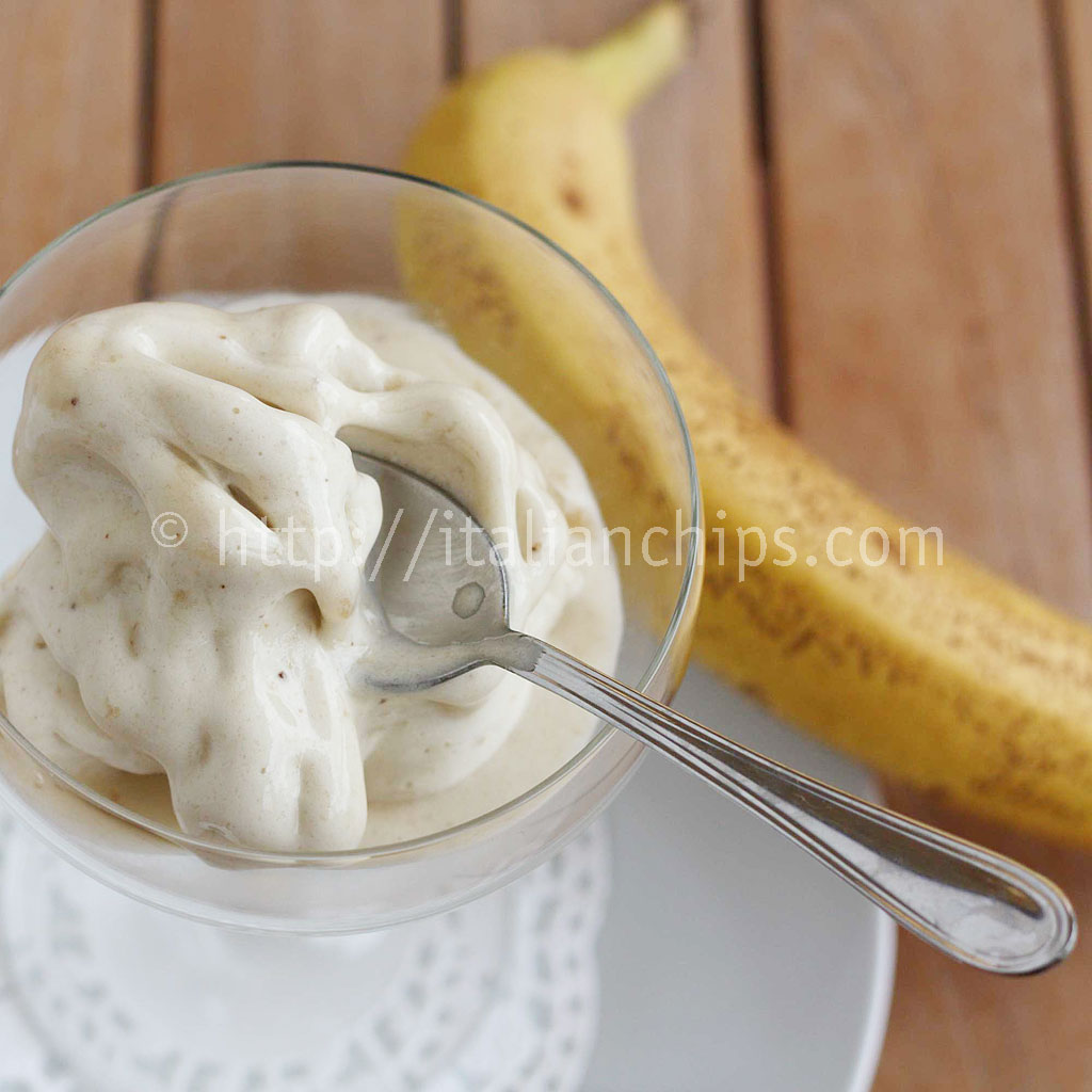The Easiest (but not less tasty) Banana Ice Cream