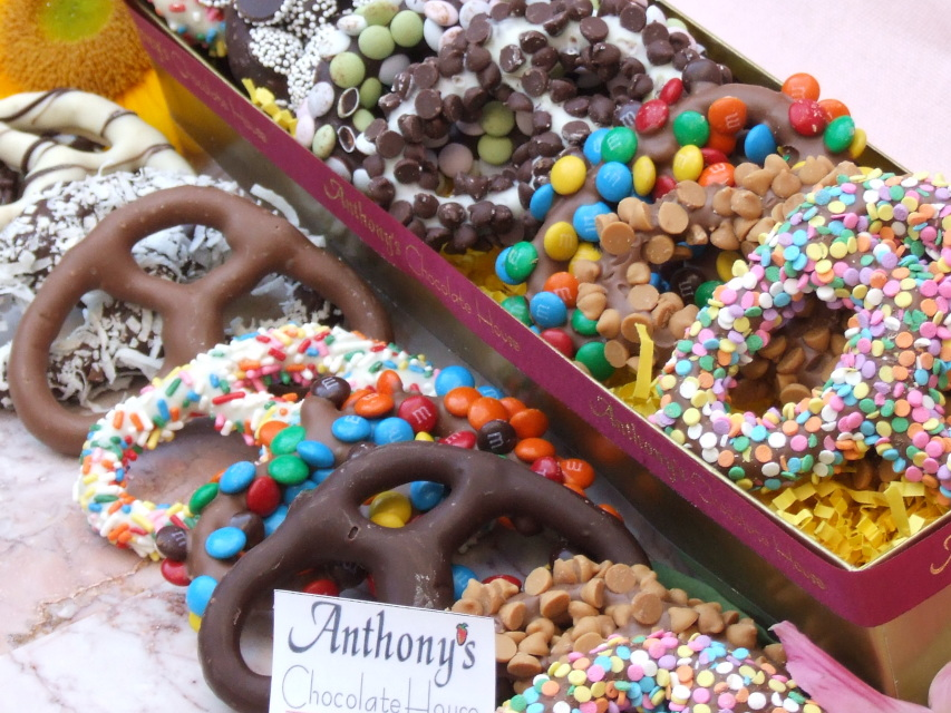Gourmet Chocolate Covered Pretzel Box