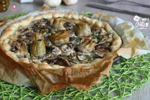 Torta salata con funghi e carciofi
