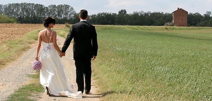 An elegant lilac wedding in Monferrato countryside