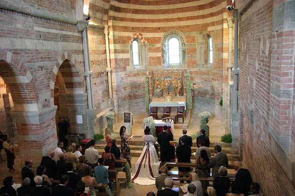 wedding-at-Vezzolano-Abbey-Piedmont