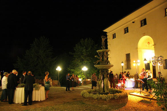 wedding-party-on-Monferrato-hills