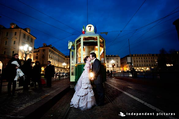 wedding-on-historical-tram-Torino