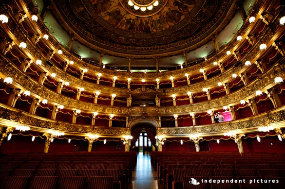 wedding-to-Carignano-Theatre-Torino