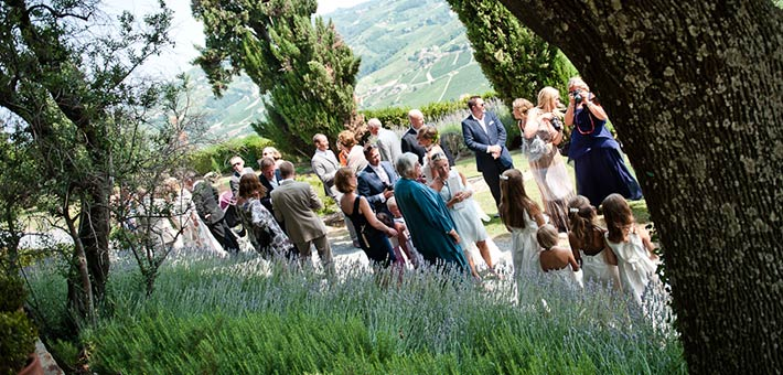 Vineyards and scent of Lavender for an Italian wedding in Langhe