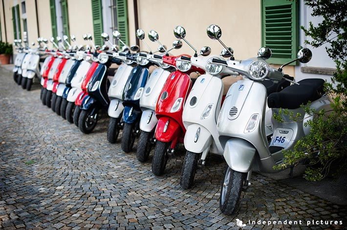 03_Vespa-tour-weeding-in-Langhe