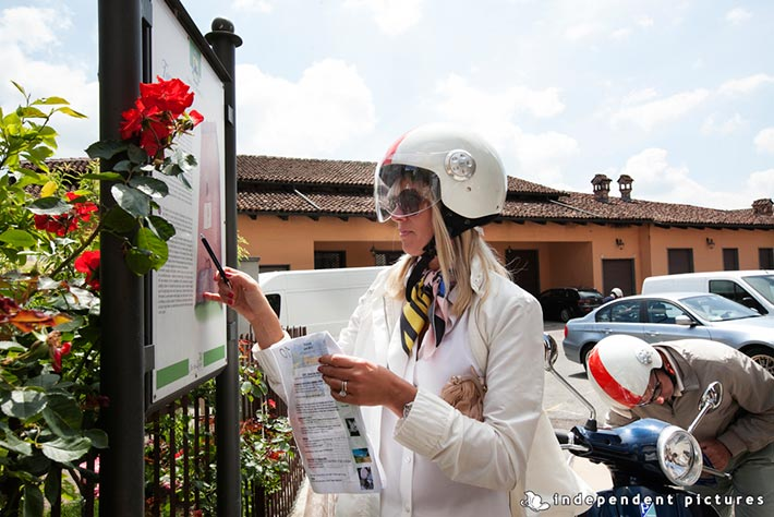 08_Vespa-tour-weeding-in-Langhe