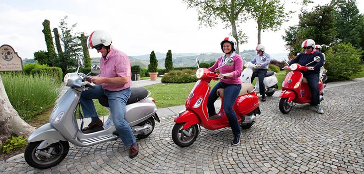 Vespa-tour-weeding-in-Langhe