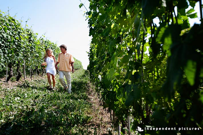 05_elope-in-Barbaresco-vineyards-Piemonte-countryside-Italy