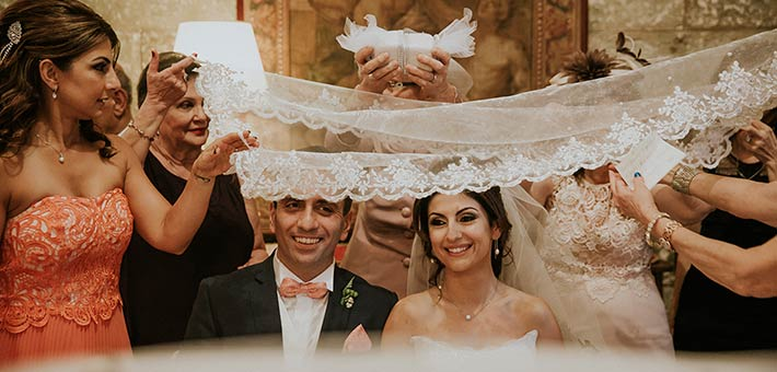 A traditional Persian Ceremony for a Wedding in Puglia