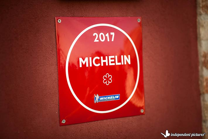 michelin-starred-gourmet-restaurant-piemonte-countryside
