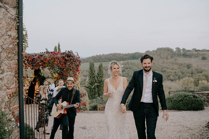 wedding reception overlooking Tuscany hills