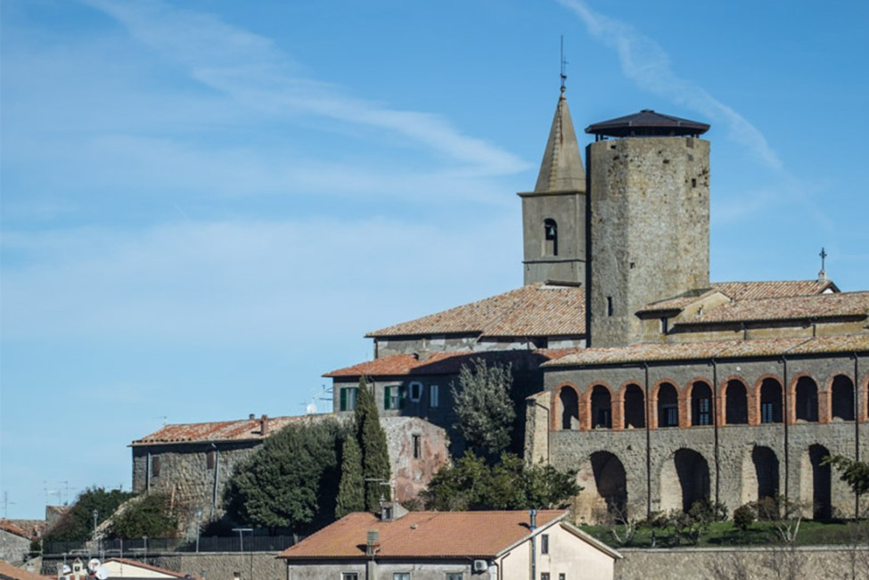 Valentano cittadina di Monteneri