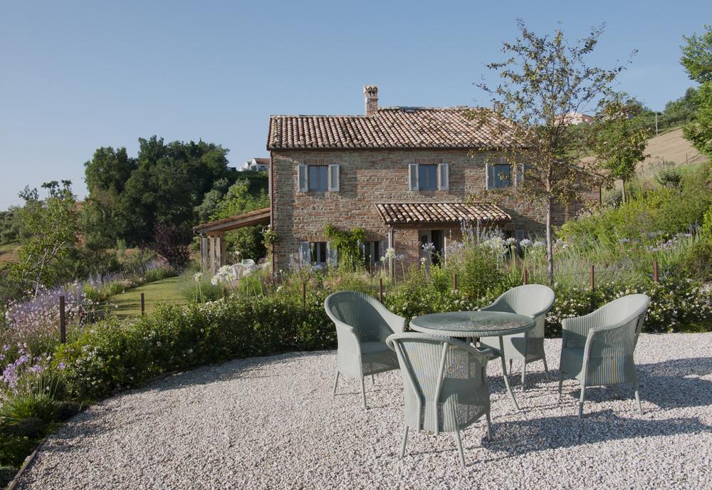 Casa San Nicola Holiday House Le Marche Italy Exterior