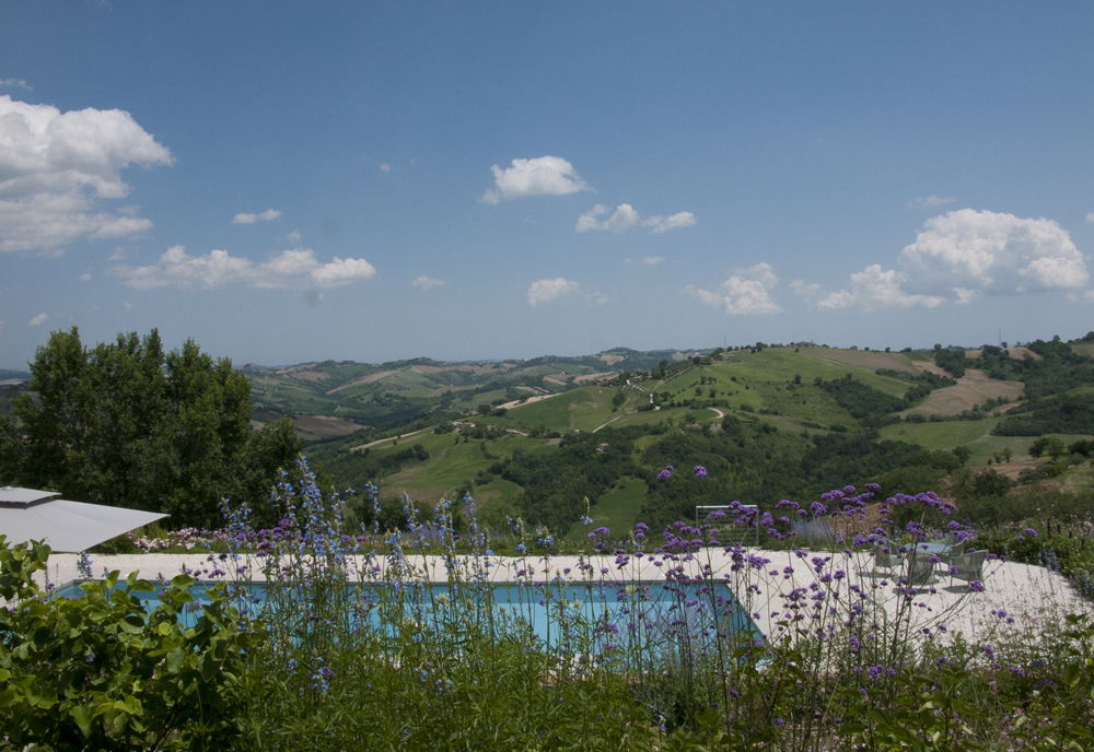 Casa San Nicola Holiday House Le Marche Italy Pool