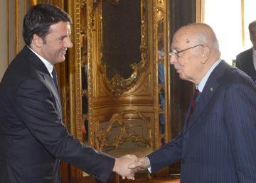 Napolitano e Renzi, in occasione della colazione di lavoro per il prossimo Consiglio Europeo. 22 ott 2014. Foto Presidenza della Repubblica