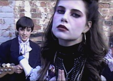Foto tratta dal video clip The Riddle of the Model - film Sing Street (2016)