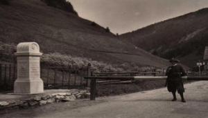 Austria - muro di 250 metri - 1ed65d1b2043ad0f7f07af87e621ab59-0044-kBCB-U431706526744260sB-593x443@Corriere-Web-Sezioni - www-corriere-it - 350X200